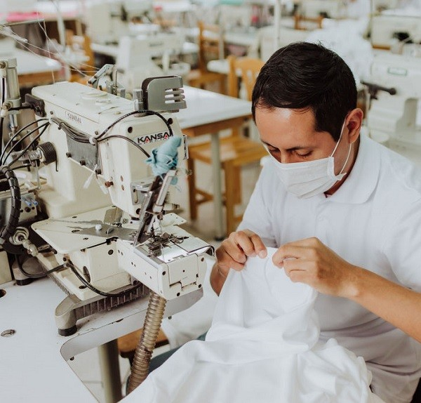 Servicio de maquila Textil con maquinaria automática en Perú.